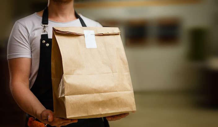 ¿Existe riesgo de contagio de COVID-19 en servicios take-away o delivery de alimentos?